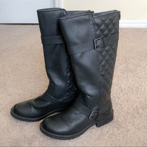 ❤️Black Quilted knee high Boots, great condition❤️